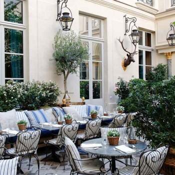La chance d'être seuls à Paris en août !